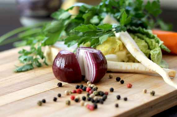 greens-onion-spices-vegetables-60123.jpeg